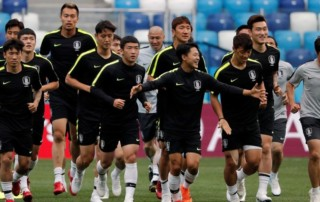 World Cup team swaps jerseys to stop spies